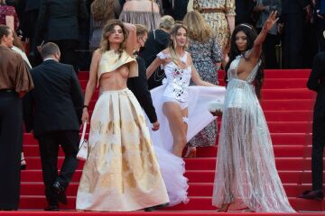 unidentified guest (allegedly mazarine carbonare) with friends | opening of 74th cannes film festival | july/6/2021 | [aic x46]