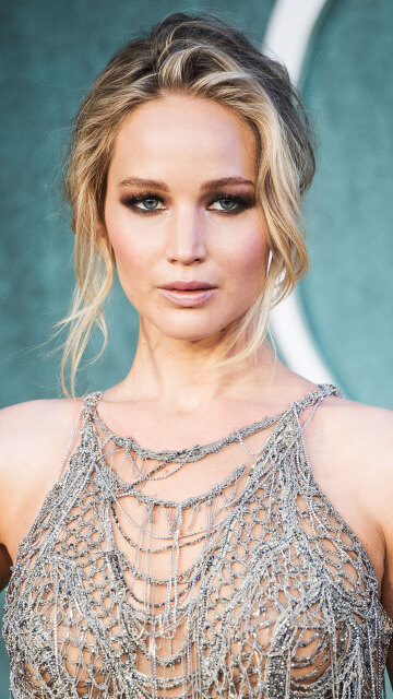 don't waste jennifer lawrence's time, cocks out now!