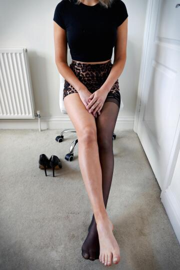 pick a leg... silky or smooth... or both 😉... x