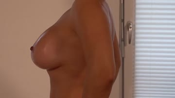 do you like oiled up girls