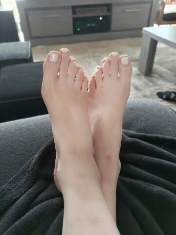 what about a nice feet pic? 😇