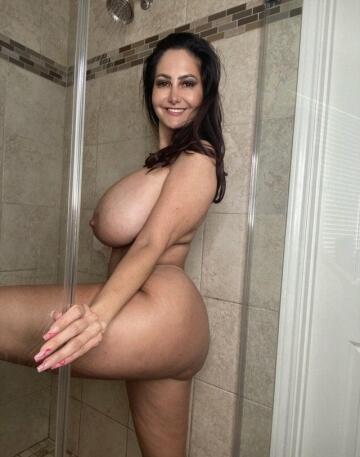 amazing side boobs