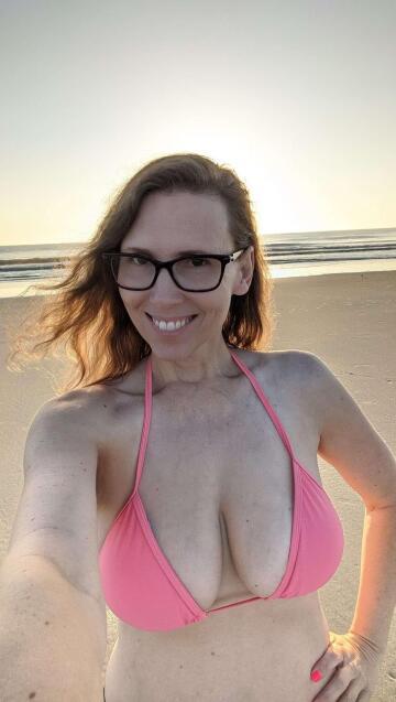 (f)un in the florida sun. can 41 year old mothers look sexy in a bikini?