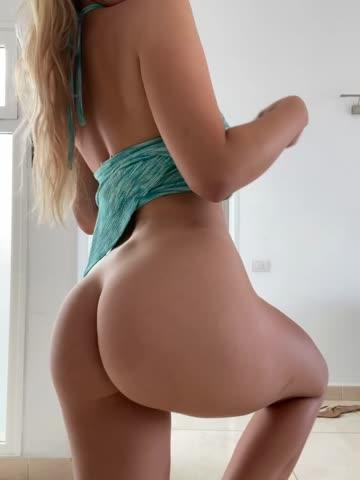 a good girl doesn't wear panties