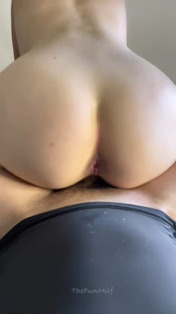 met him at the gym and 30 minutes later i was riding him like this! [f][m]