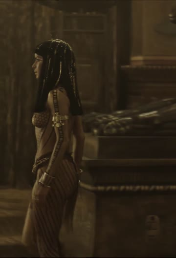 patricia velasquez in pasties and paint as anck-su-namun in the mummy (1999)