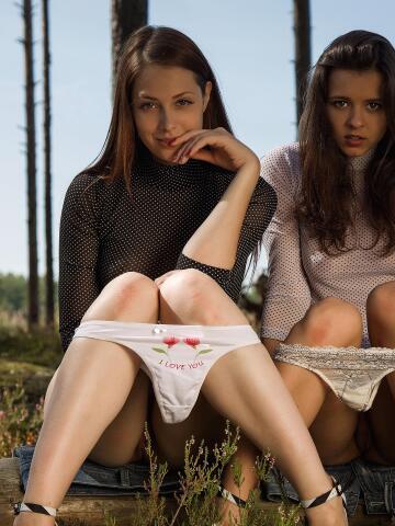 girls showing their panties