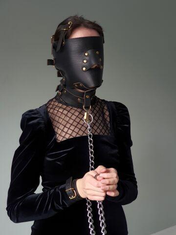 chain and leather bondage