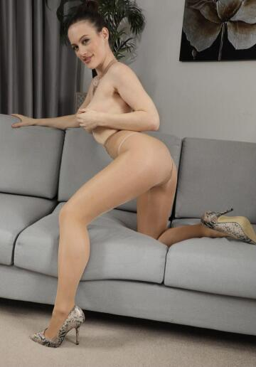 do you like nude tights?