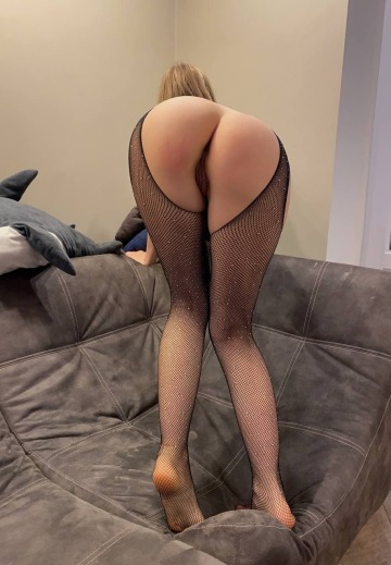 arrows up if you would cum in my tight pussy