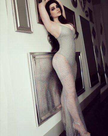 gorgeous & sexy