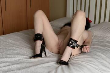 hi i'm sara i'm 59 sorry i'm a bit tied up at the moment.