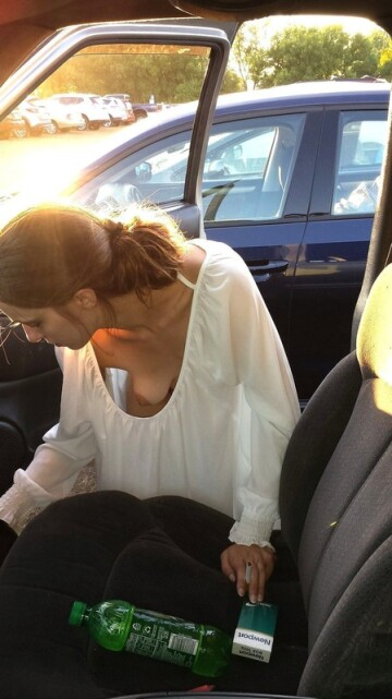 cleaning out her car