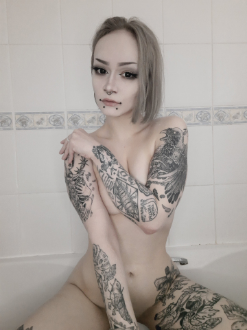 are goth girls your type?