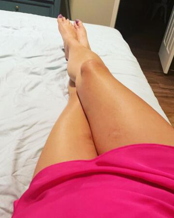 freshly waxed sun kissed legs