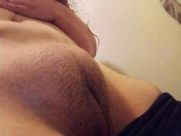 i don't feel like shaving but i still have a mound [f] (oc)