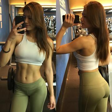 pre-workout selfie