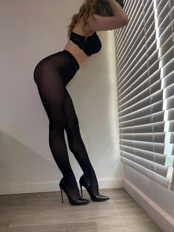 black tights are classic for a reason