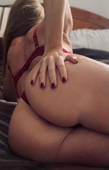 grab a handful 🍑 (oc) (f)