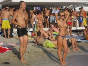 hot topless blonde women