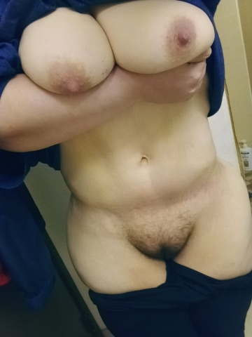my mom body and pretty large milkers