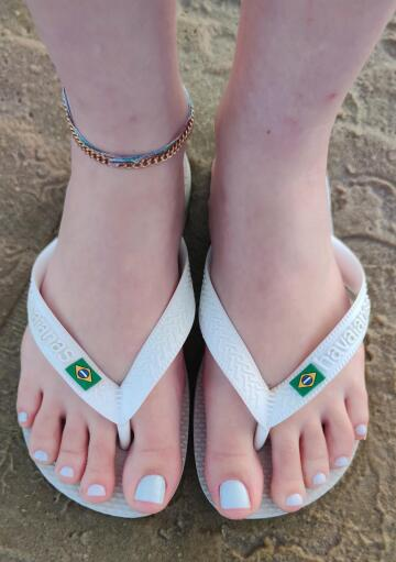 nothing better than brazilian feet in havaianas 🥰