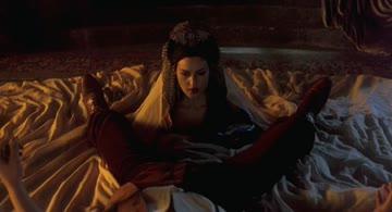 monica bellucci - dracula (1992)