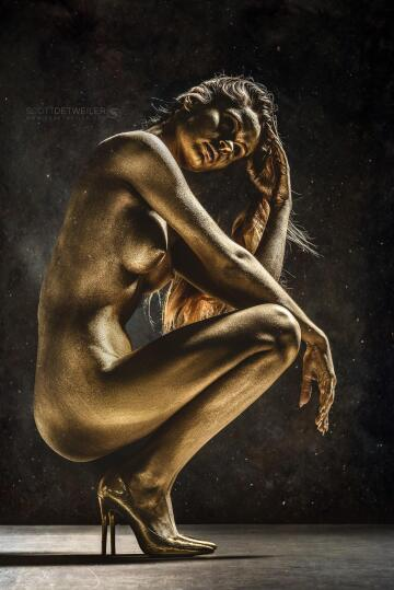 new username (was poisonsama) gold bodypaint to celebrate. i decided to give up my old username and start over. i plan to kick out a lot more bodypaint on here since facebook is officially stupid.
