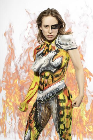 taylor in barbarian style bodypaint!