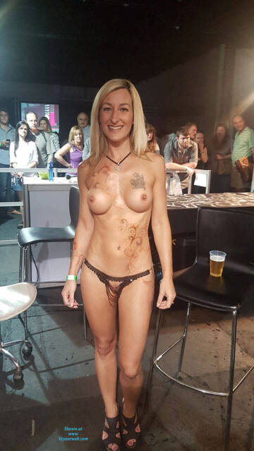 topless in a bar