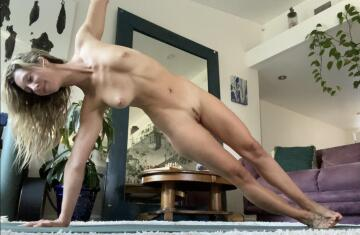 side plank with a smirk because naked yoga makes me happy