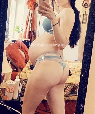hope you don't mind curvy pregnant girls