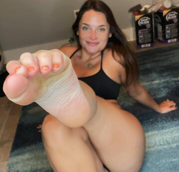will you massage my feet for me? 🦶🏻💋