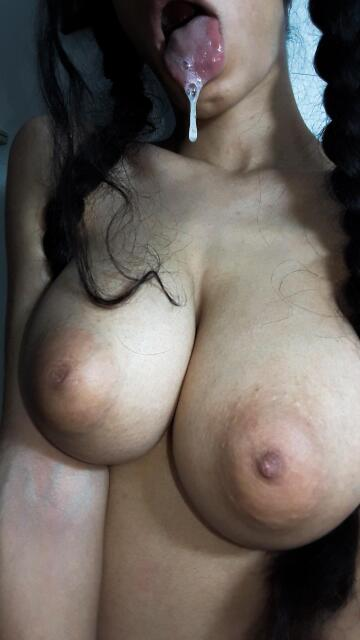 i need cum in my mouth💦🥵