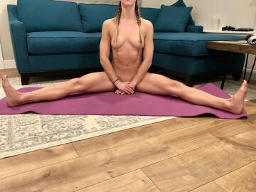 stretching my muscles is my second [f]avorite kind of stretching ;)
