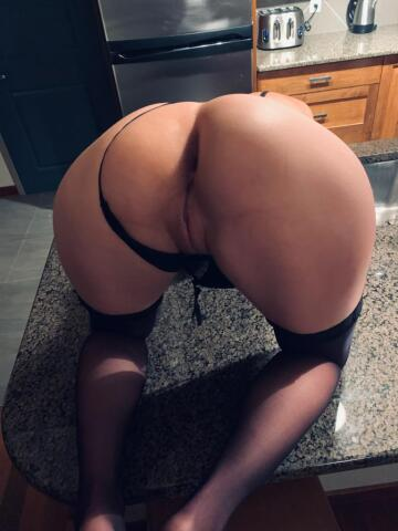 hubby wants to know how many of you want inside me? 😈💁♀️