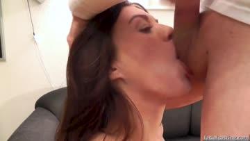 amateur brunette in a sloppy head deepthroat
