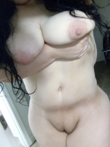 completely naked and having courage to show it i'm not the hottest mom, but i'm sure some guys will get hard