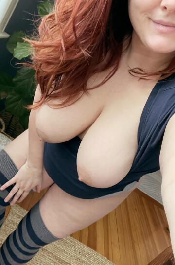 red hair and huge tits anyone?