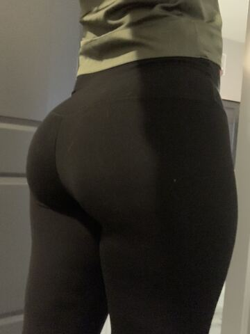 my wife's going out in these leggings today