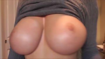 flashing the tits literally! bra v.s. braless