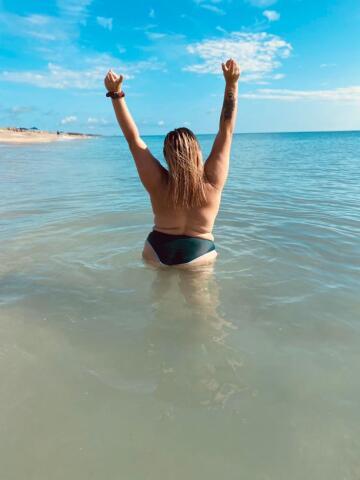love feeling free 🤟🏼☀️🌊
