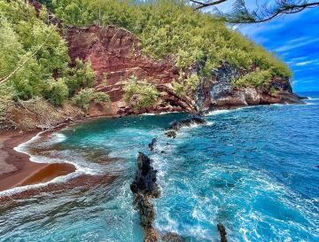 red sand beach from the other day :) 🤙🏼