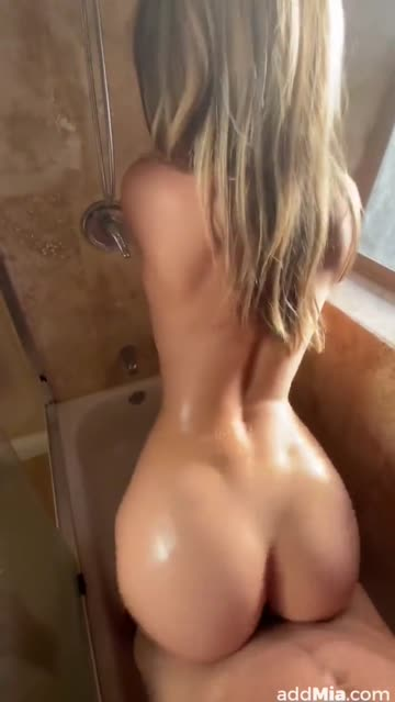 doggystyle blonde babe nsfw video
