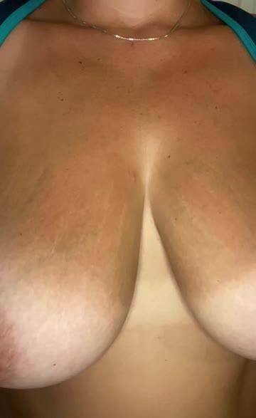 natural tits huge tits titty drop porn video