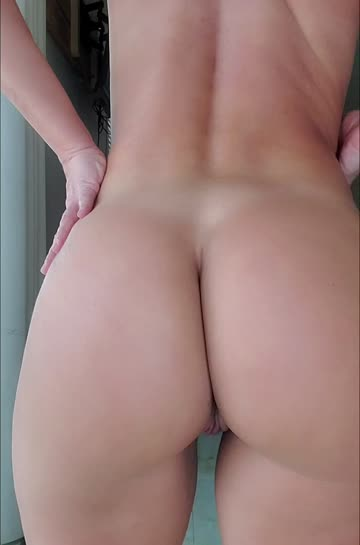 ass clapping dressing yoga pants pussy ass spread free porn video