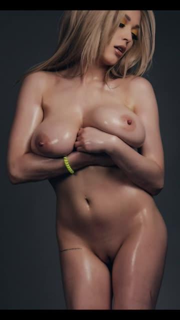 natural tits oiled big tits porn video