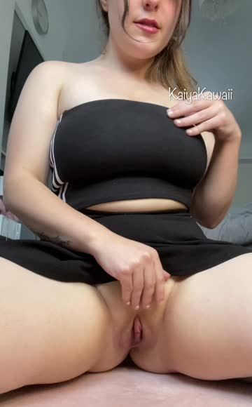 busty 19 years old thick big tits hot video
