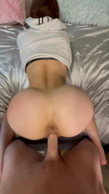 18 years old creampie pussy