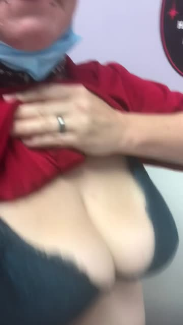 bouncing tits work bouncing porn video